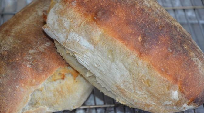 Hvedebrød med surdej – Et nemt og dejligt brød